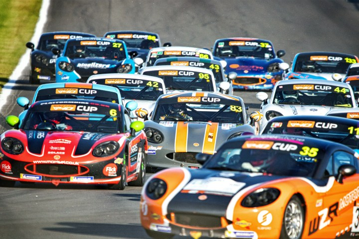 Racing in the pack at Donington Park Business Partnership with CDW Motorsport Ginetta G40
