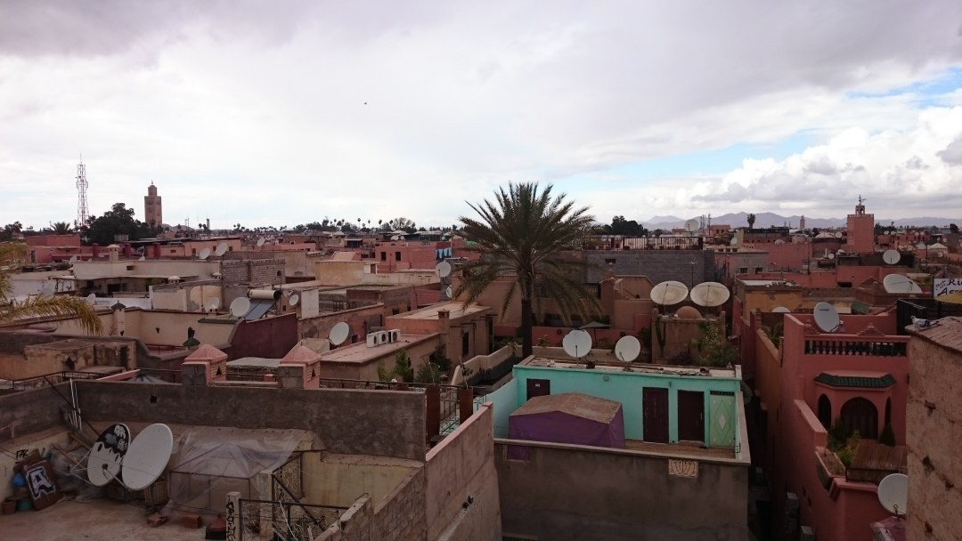 über den dächern marrekeschs