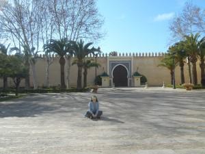einmal kurz Pause machen vor der Königsresidenz in Meknes