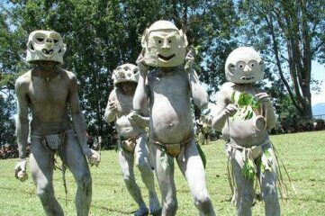 photo of tribal dancers from Papua New Guinea