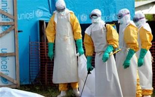 Ebola avança e OMS discute ética