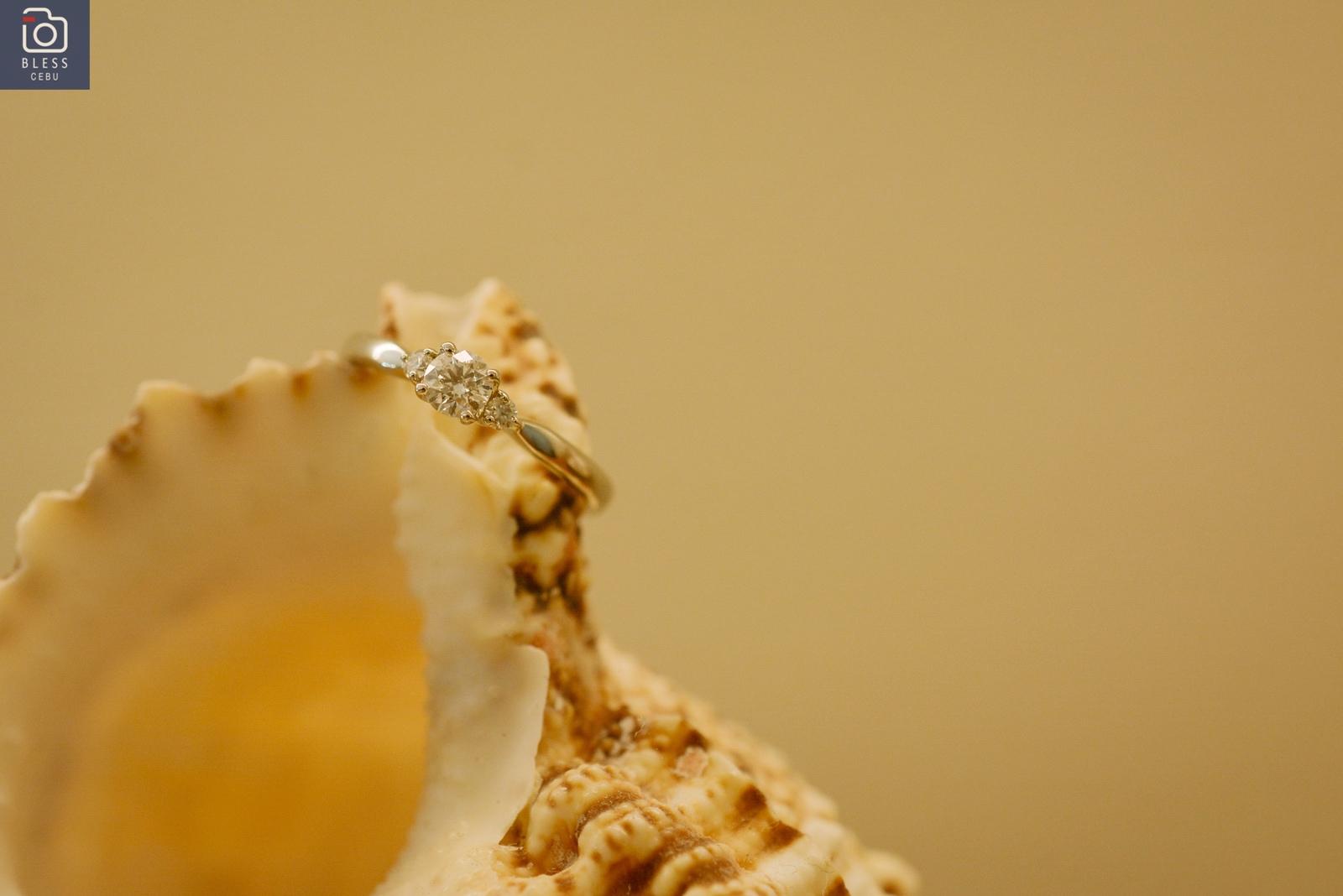 婚約指輪はどんな指輪が主流