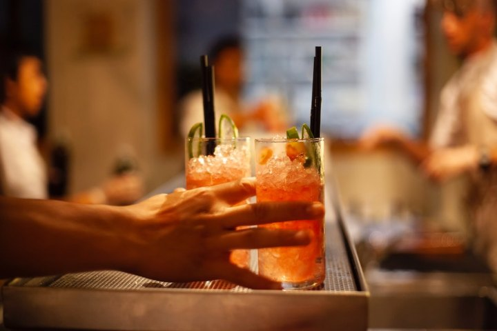 How to quickly find bars with happy hour and a great drink for cheap in your area | Cebu Finest