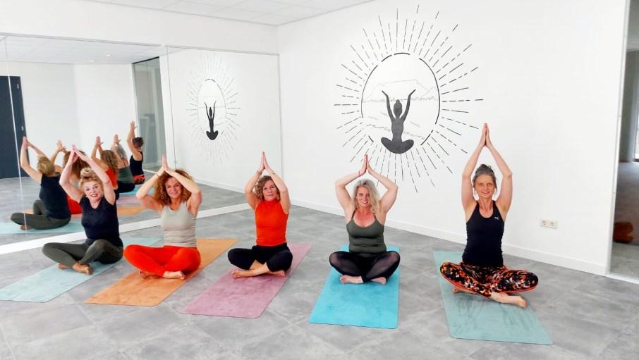 muurtekening yogatsudio