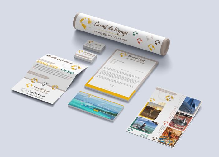 Présentation de l'ensemble des documents constituants l'identité visuelle de l'agence Carnet de Voyage