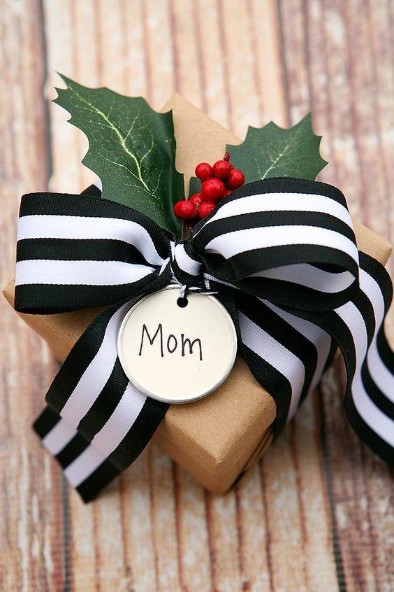 MOM GIFT.jpg
