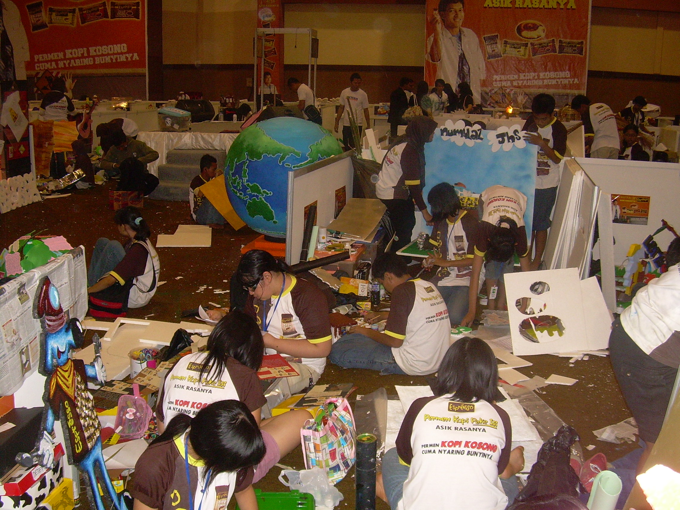 The Making of Mading on the spot