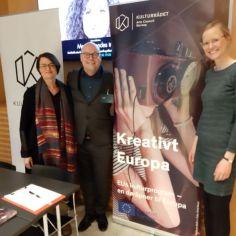 """Foto: """"Kultur over grenser 2019"""", Norveška. Mateja Lazar (CED SI / Motovila), Per Dehlin (CED NO / Arts Council Norway) in Lea Stöver (CED DE / Kulturpolitische Gesellschaft e.V)."""