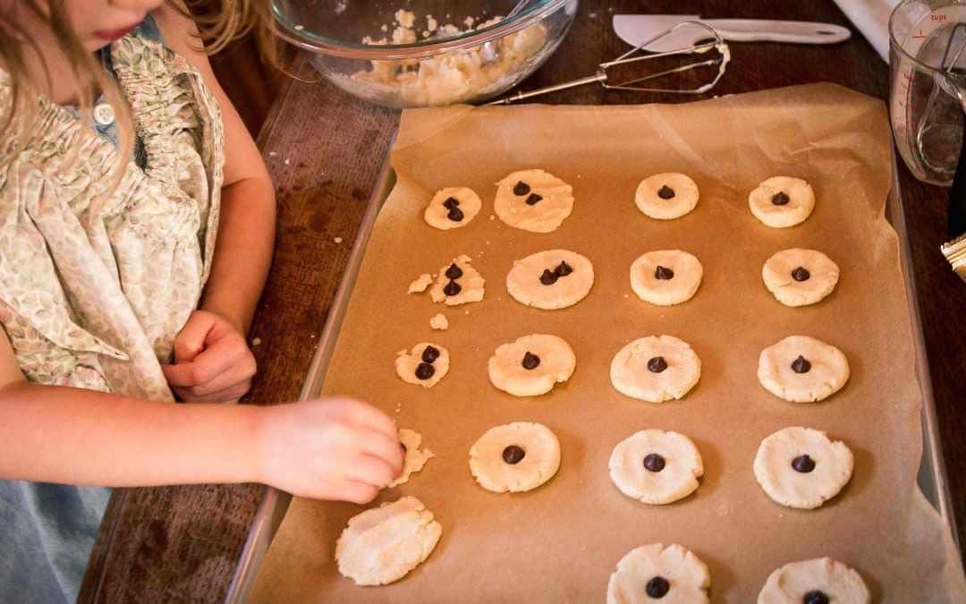 Butter Cookies with Chocolate Chips & A Tip for Baking with Preschoolers