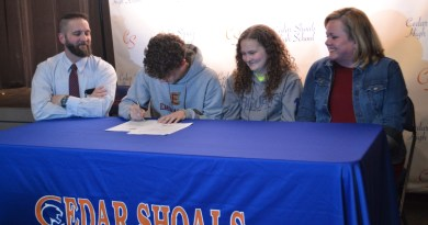 Parker Signs with Emmanuel College