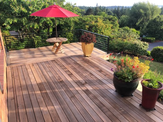 How to clean cedar deck