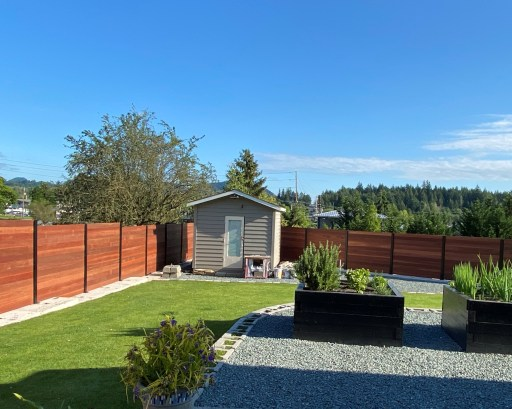 "5/4x6"" Mahogany Decking is used for an extremely durable good neighbor fence that will last for many years with little to no maintenance"