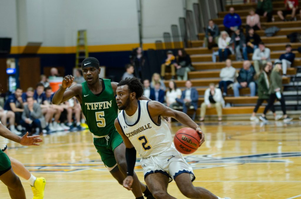 Yellow Jackets Dominate in Win Over Tiffin