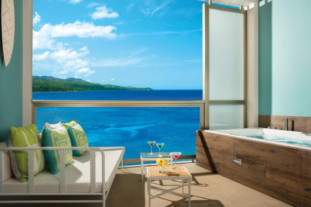 BREMB_Jr_Suite_OceanView Terrace_2