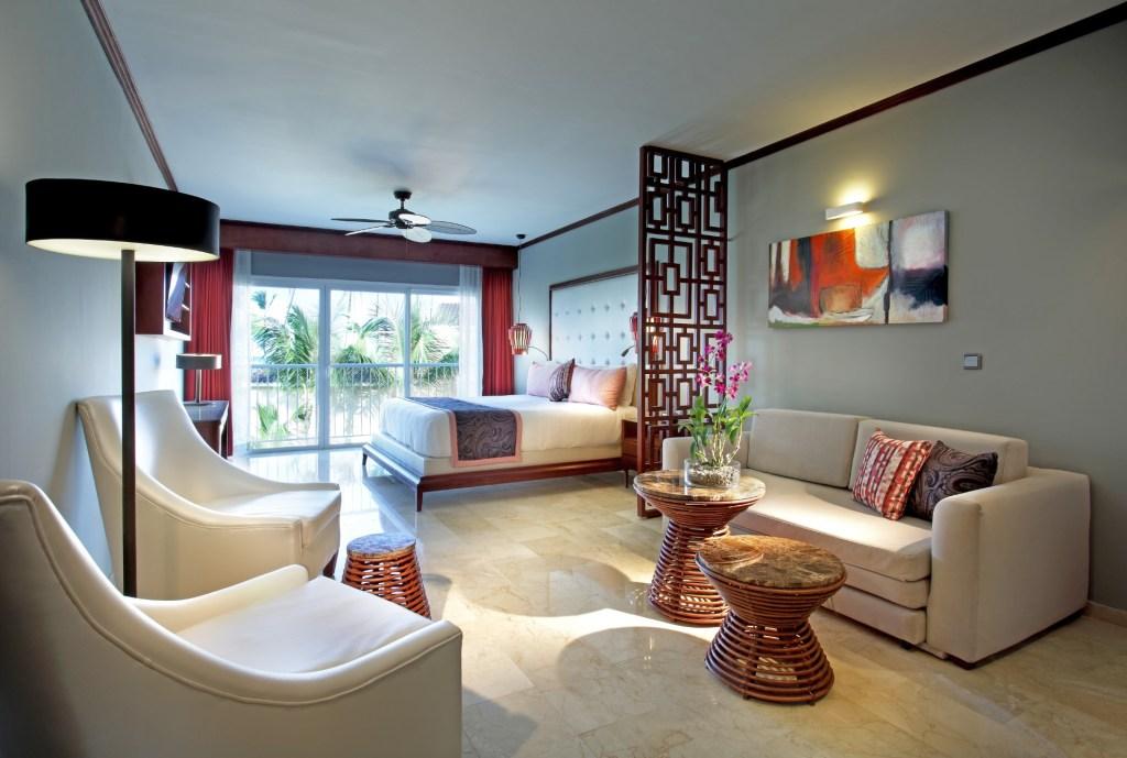 Grand-Palladium-Bvaro-Suites-Resort-Spa-Luxury-Master-Suite-2