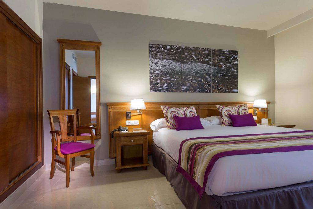 grand-palladium-palace-ibiza-resort-master-suite10