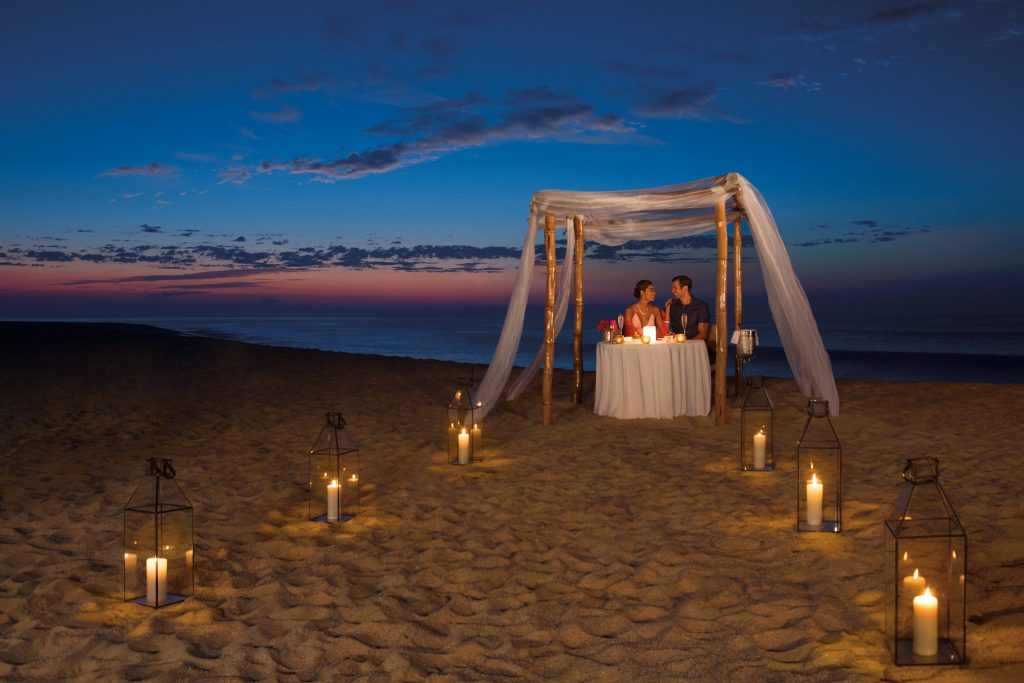DRELC_RES_Romantic_Dinner_2