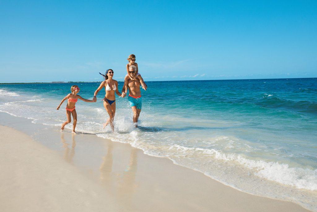 DREPM-EXT-Family-Beach-1A