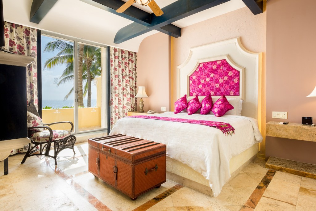 Ocean-Front-Master-Suite-Two-Bedroom-with-Terrace2