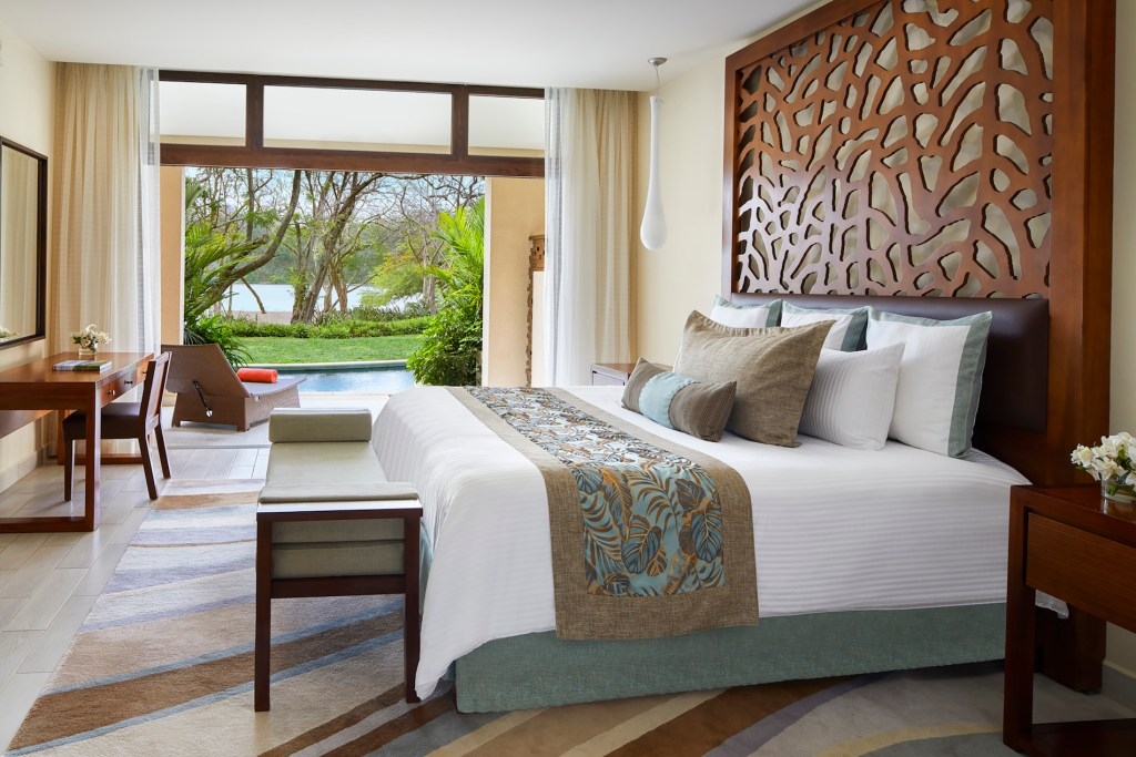 Preferred_Club_Presidential_Suite_Swim_Out_Ocean_Front