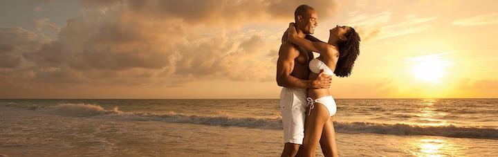 SEMB_AfroAmericanCouple_Beach2_1_1400x441