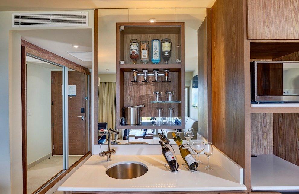 royalton_luxury_suite_ocean_view_lr_0420200501180145282