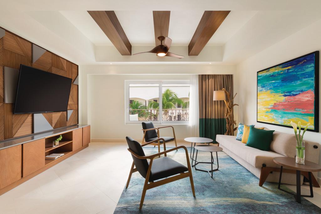CZMPC_One_Bedroom_Suite_King_Living_Area_2
