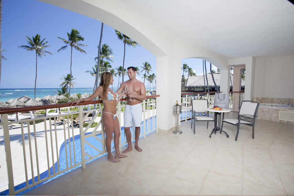 Elegance-Club-Ocean-View-Suite-jacuzzi