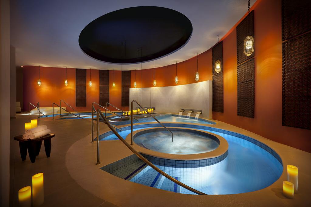 HRH Punta Canahrh punta cana-Spa Hot Tub LAYERED MASTER 101310