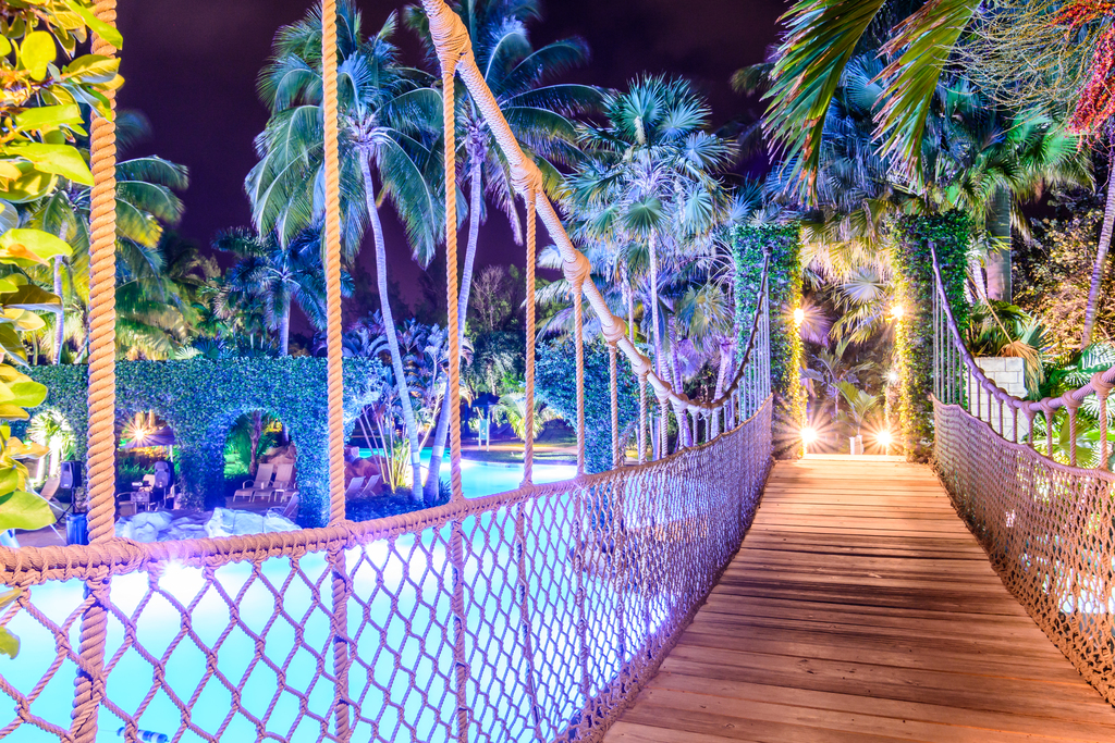 Hilton-Resort-&-Spa-Rose-Hall-Waterpark-Bridge-Night