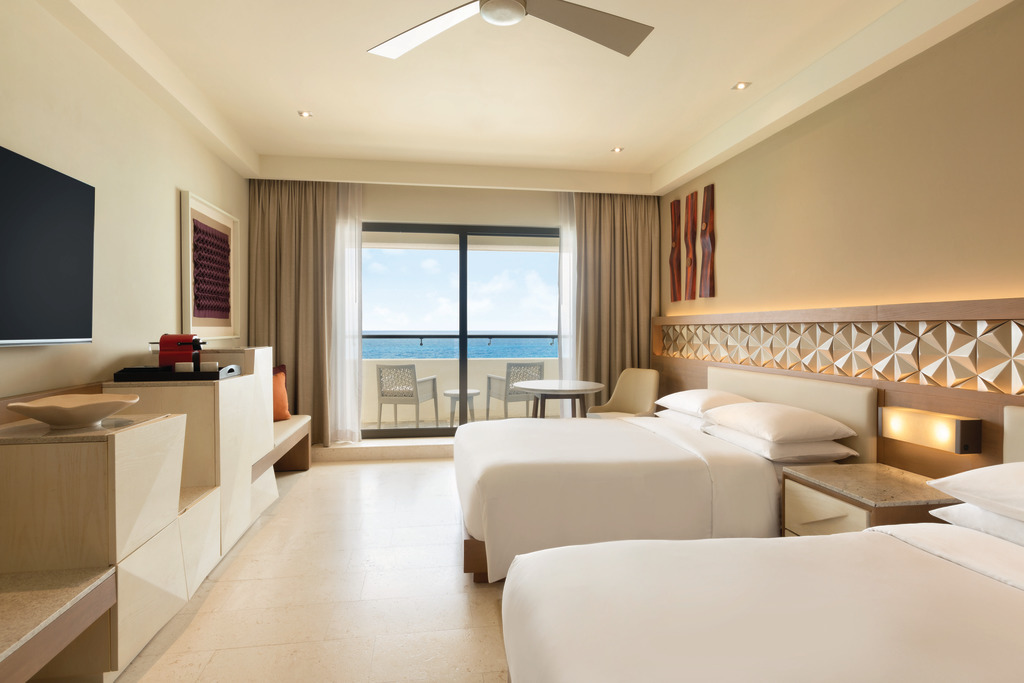 Hyatt-Ziva-Cancun-Club-Ocean-Front-Double-Room