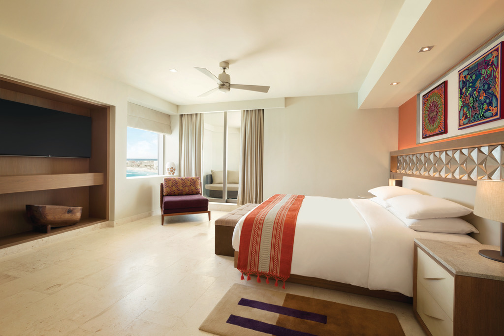 Hyatt-Ziva-Cancun-Club-Ocean-Front-Master-Suite-Bedroom