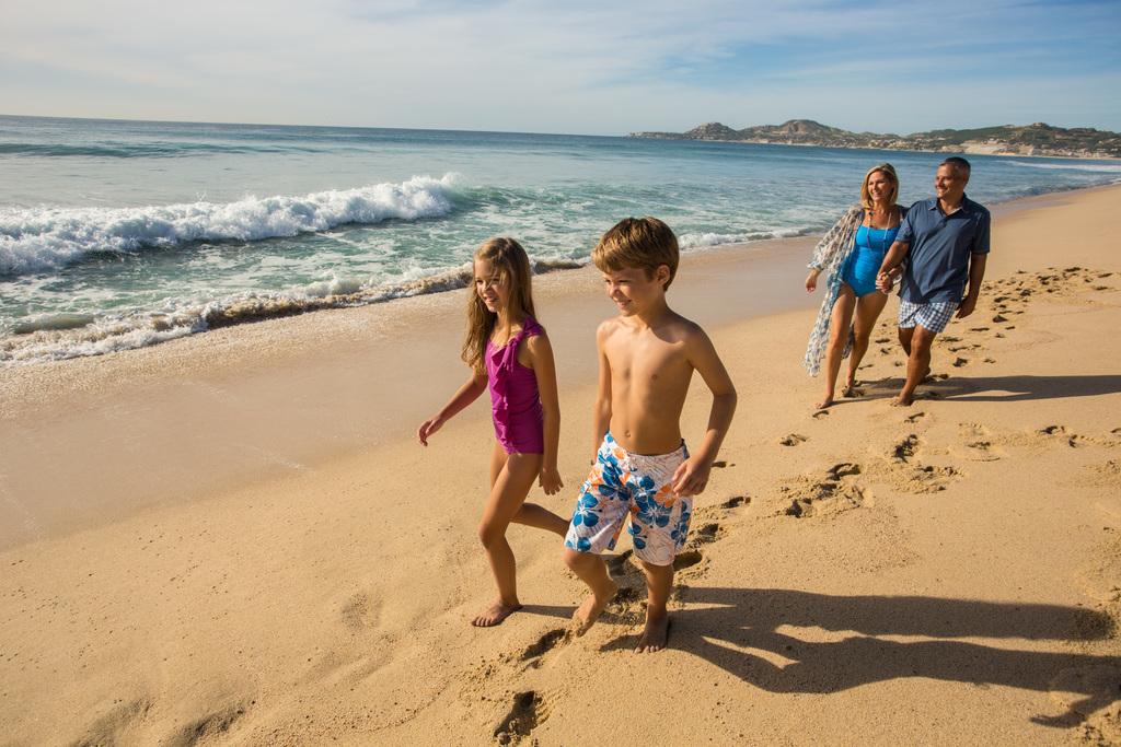 Hyatt-Ziva-Los-Cabos-Family-Walking-Down-Beach