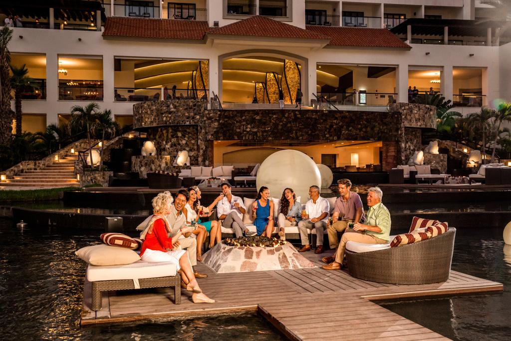 Hyatt-Ziva-Los-Cabos-Lagoon-Firepit-Meeting-Event