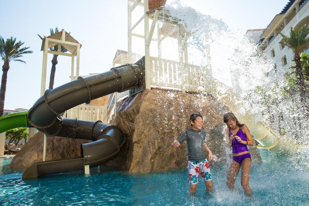 Hyatt-Ziva-Los-Cabos-Water-Park-Kids-Playing-3