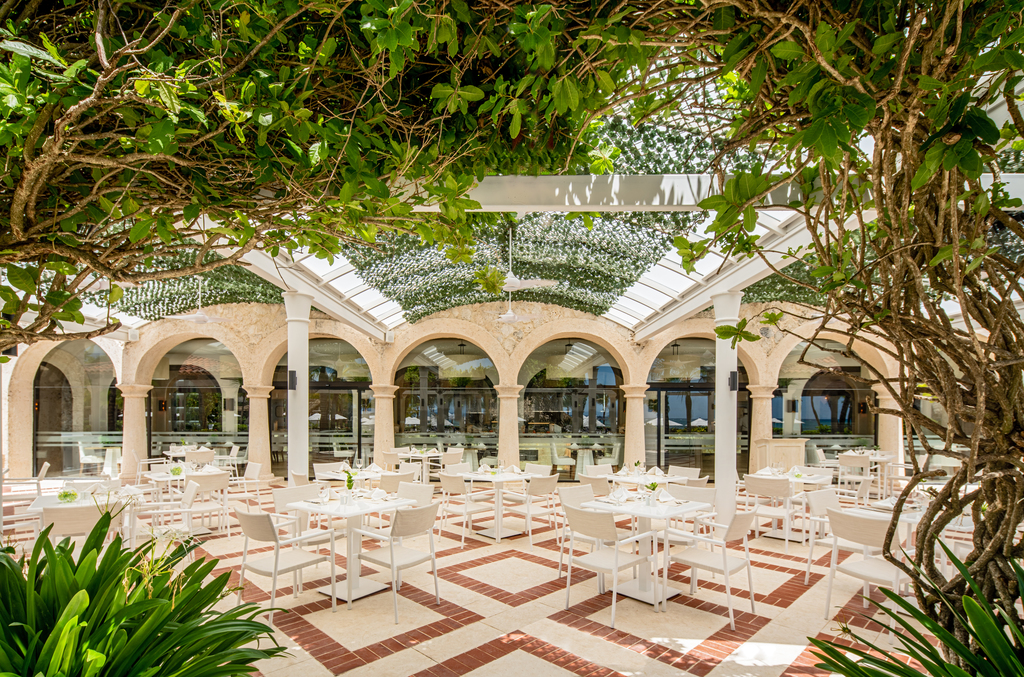Sanctuary-Cap-Cana-Casa-Bella-Restaurant-Outdoor-Seating