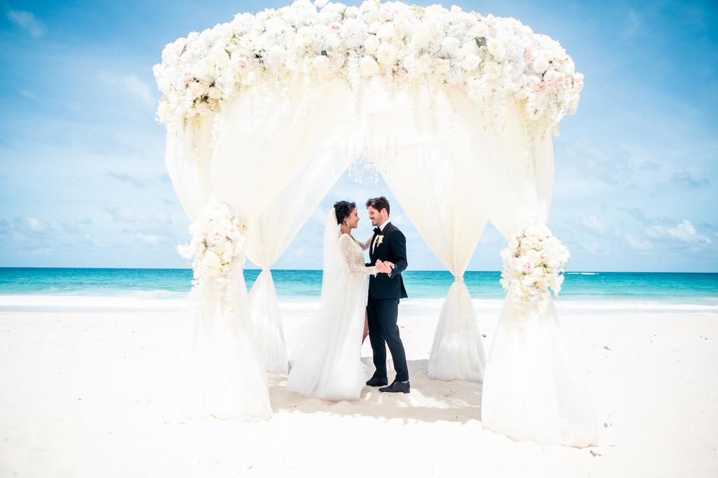 WeddingInspiration_LavishDaydream_Lifestyle4