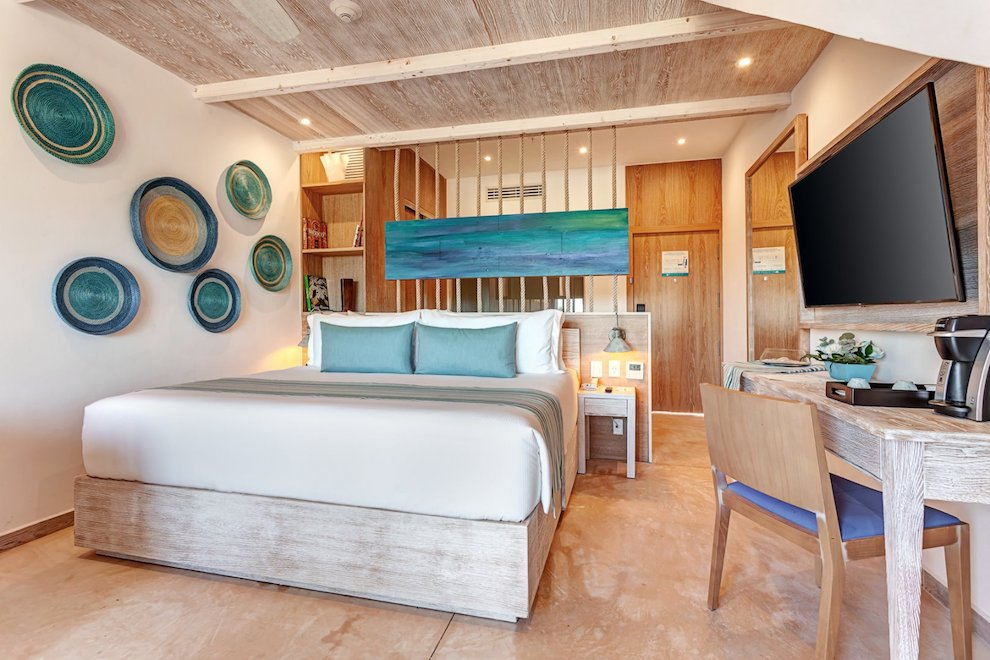 mystique_blue_deluxe_junior_suite_loft_ocean_view_(7)