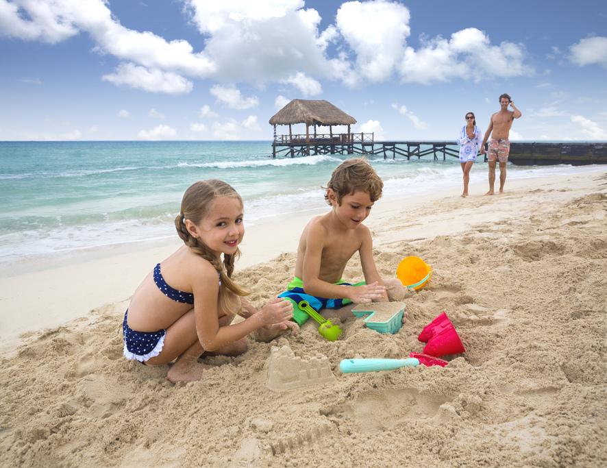 AZF-Family-Beach