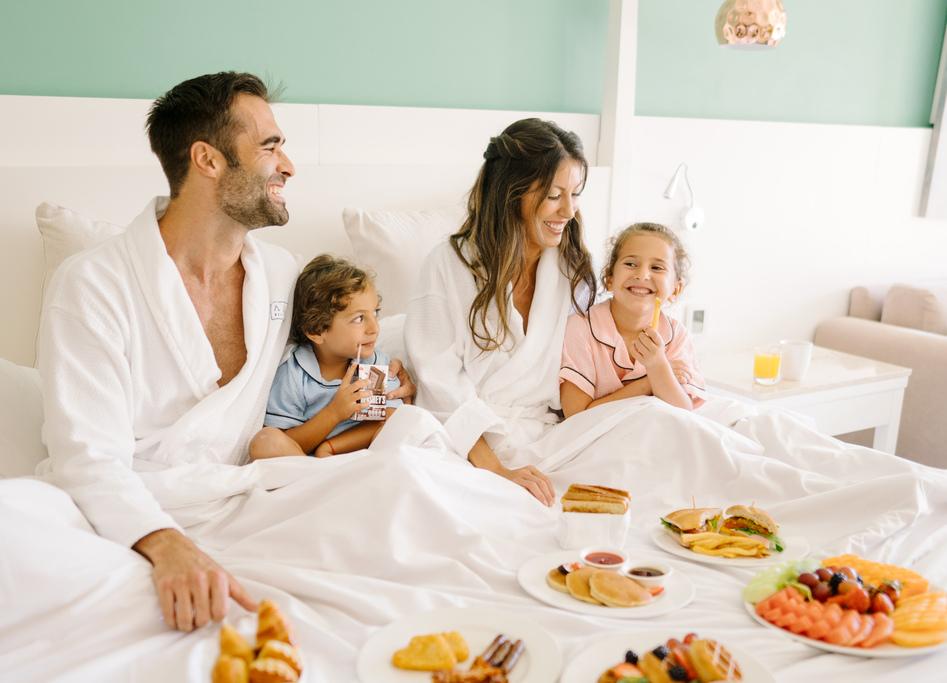 AZRC_Breakfast-in-Bed