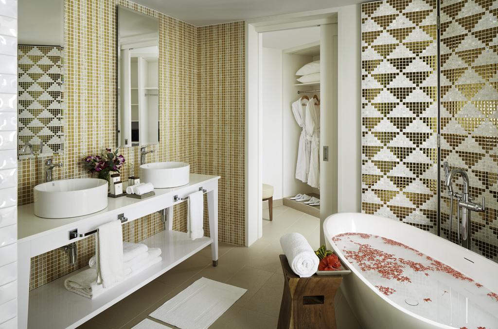 AzulBeachNegril_ – Presidential Studio bathroom