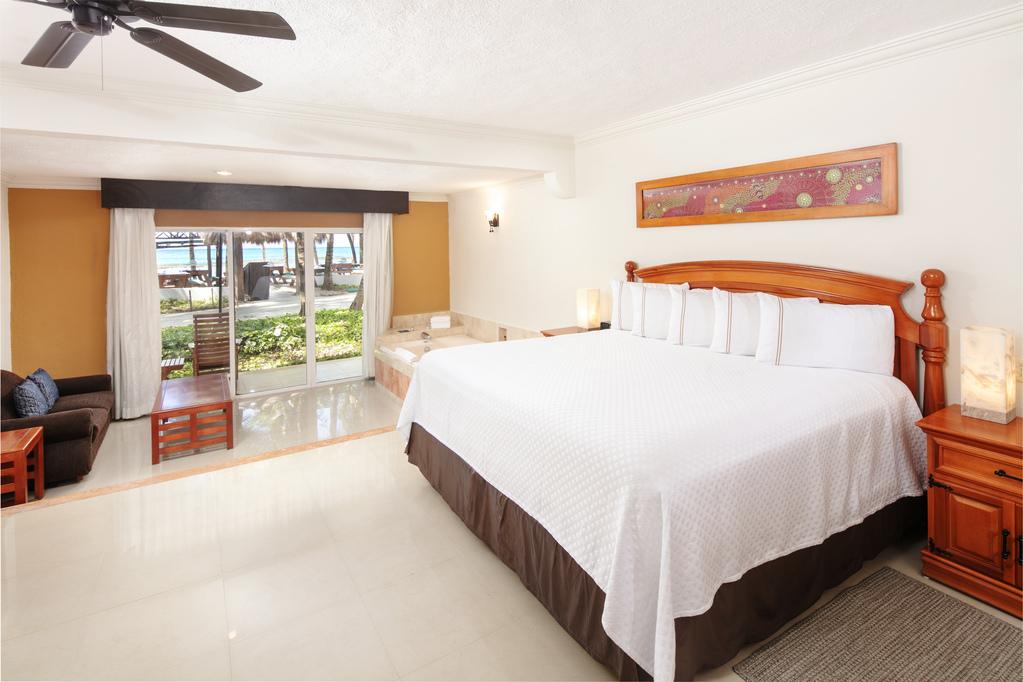 EDS-Beachfront-Junior-Suite
