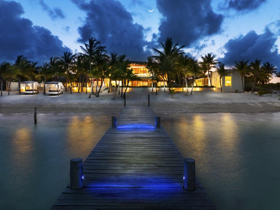 Azul Villa Esmeralda – Exterior-Back-View-from-Pier