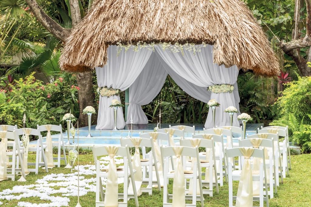 couples_weddingssweptaway-17-5e5840b1e3b33-1500×1000