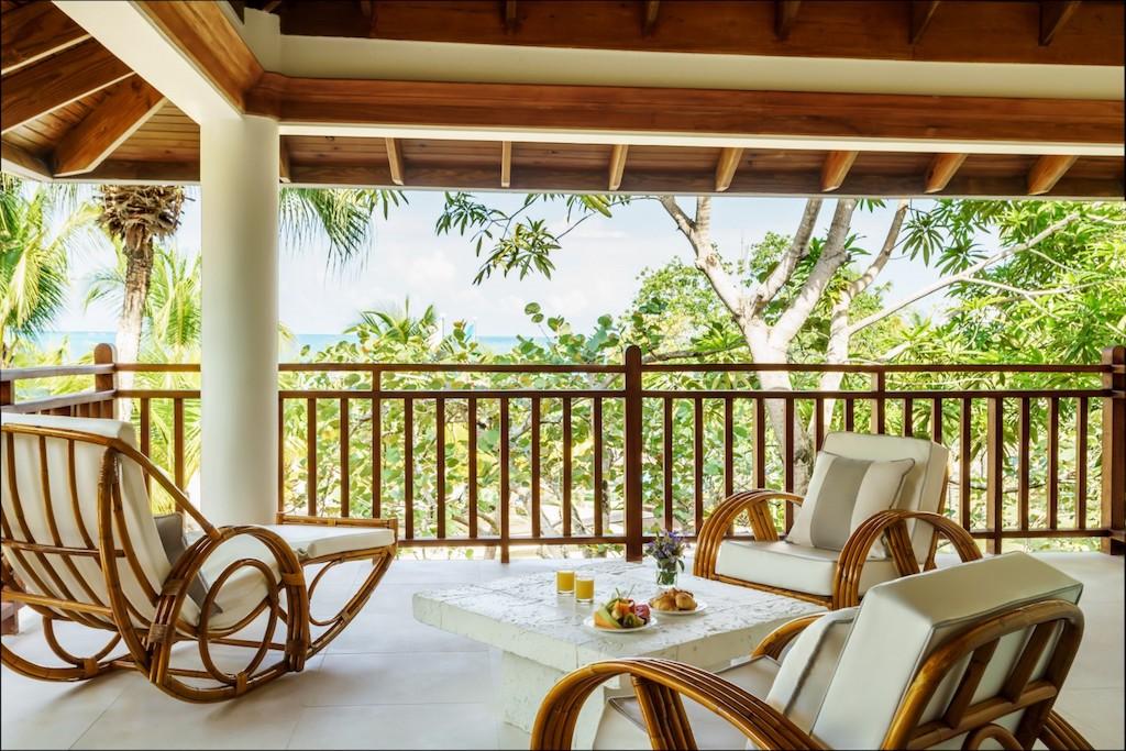 csa-premier-beachfromt-suite-balcony-59691760f2c1b-5e4c0edef1f57-1500×1000