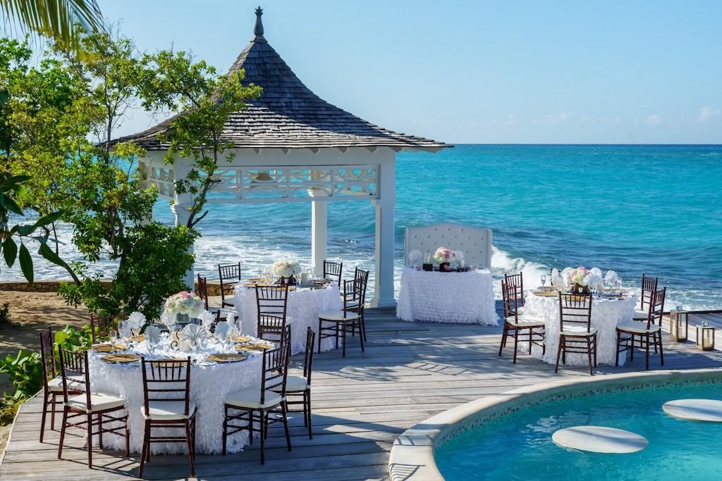 cti-private-island-reception-5e58392a0a213-1500×1000