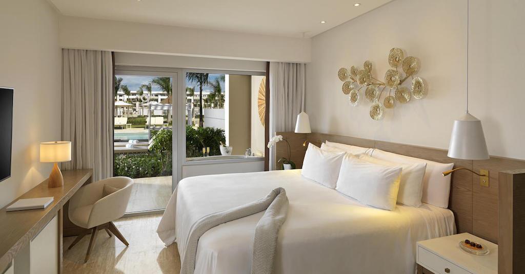 11552aGrandReserveAtParadisusPalmaReall-One_Bedroom_Master_Swim_Up_Suite