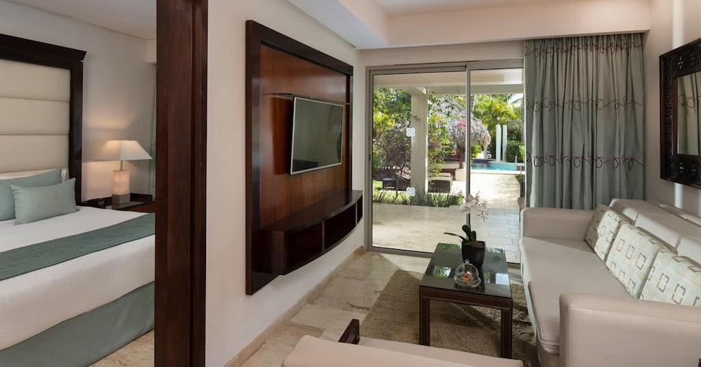 13317ParadisusPalmaReal-TR-One_Bedroom_Swim-up_Suite_(1)
