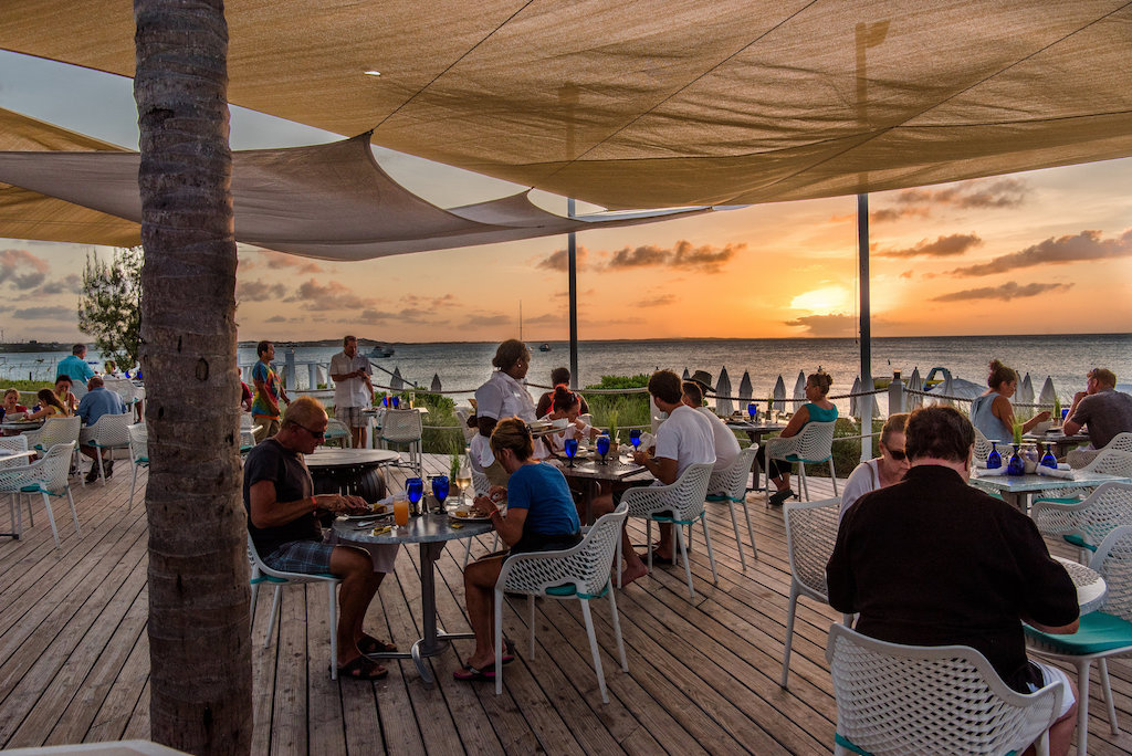 ALEXANDRIA TURKS AND CAICOS-FAMILY-DINING-77