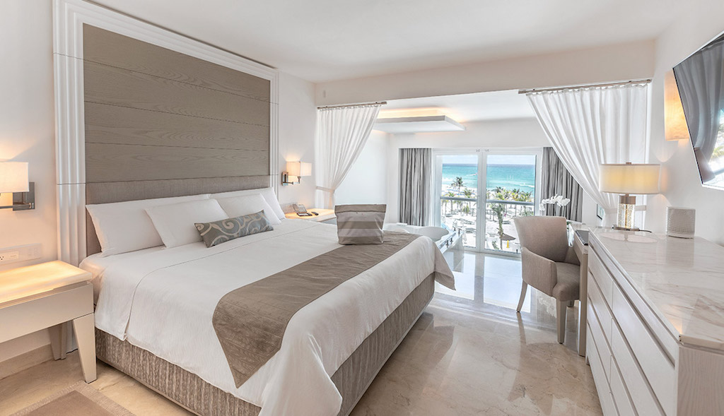 TT-le_blanc-cancun_royale-honeymoon-ocean-front-1_8